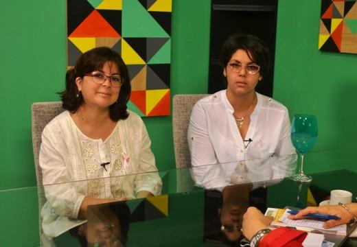 """Armstrong. """"Cruzada Solidaria contra el cáncer de mama""""."""