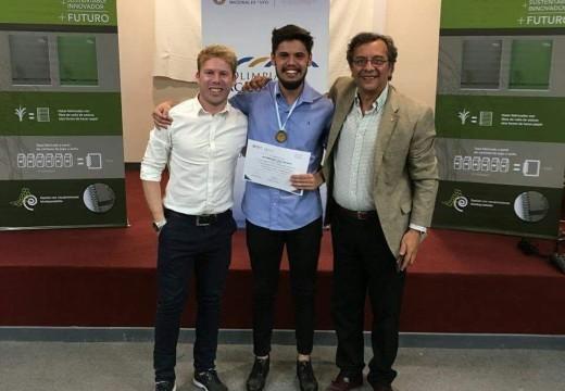 El rosense Alan Altamirano ganó las Olimpíadas de Medicina del Ciclo Clínico.