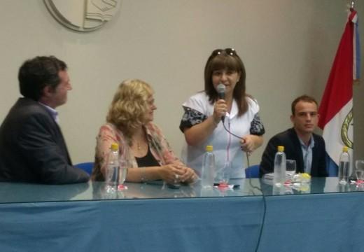 La Ministra Claudia Balagué trajo importante aporte para la Esc. N° 600.