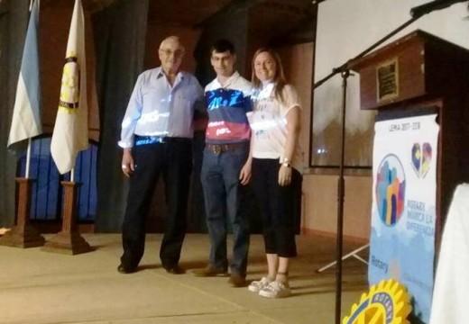 """Rotary Club Armstrong hizo la entrega anual del premio al """"Mejor Compañero""""."""