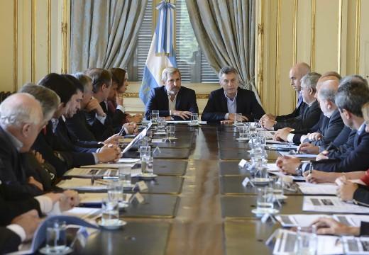 Macri acuerda con los gobernadores el pacto fiscal.