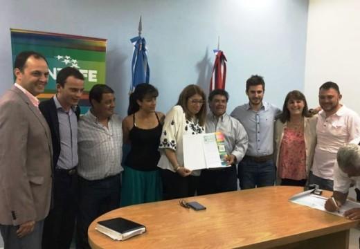 Educación: la provincia aportó 3,85 millones para obras en Cañada de Gómez y Totoras.