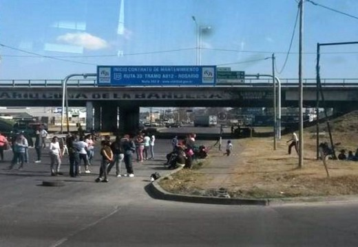 Organizaciones sociales realizan cinco piquetes en Rosario.