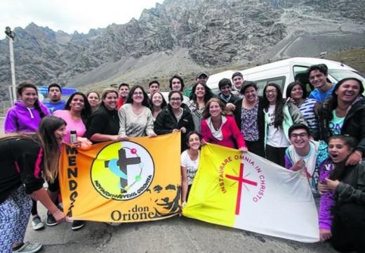 Religión y turismo: miles de argentinos cruzaron la frontera.