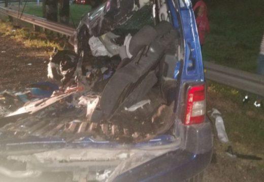Una familia murió en un accidente en la autopista Rosario-Córdoba.