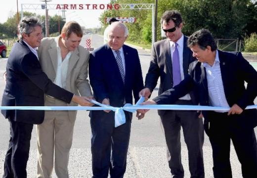 Lifschitz inauguró el nuevo acceso al parque industrial de Armstrong.
