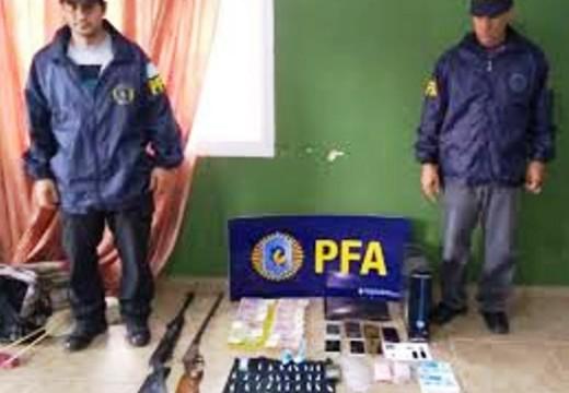 Impresionante allanamiento en Las Parejas: cayó banda narco.