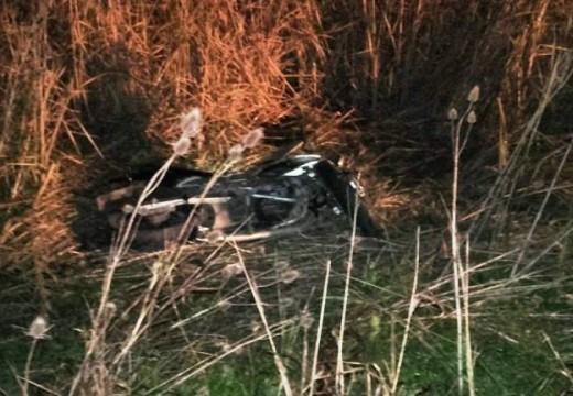Armstrong. Accidente: Motocicleta impacta contra guardarrail.
