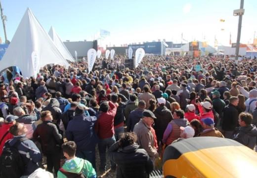 Sol, Fierros, Música, Política y Ganadería en el 2° Día de AgroActiva.