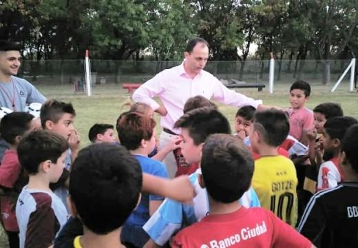 Media sanción a proyecto de Rasetto para clubes y cooperadoras.