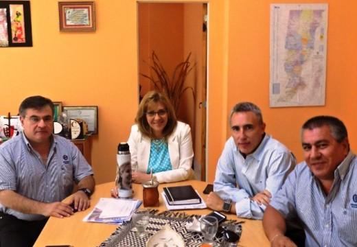 La UOM Rosario y La Dip. Prov. Claudia Giaccone, piden declarar la Emergencia Metalúrgica Provincial.
