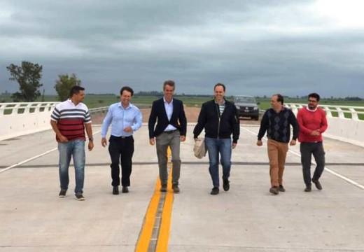 Rasetto y Seghezzo recorrieron el nuevo puente sobre el Carcaraña.
