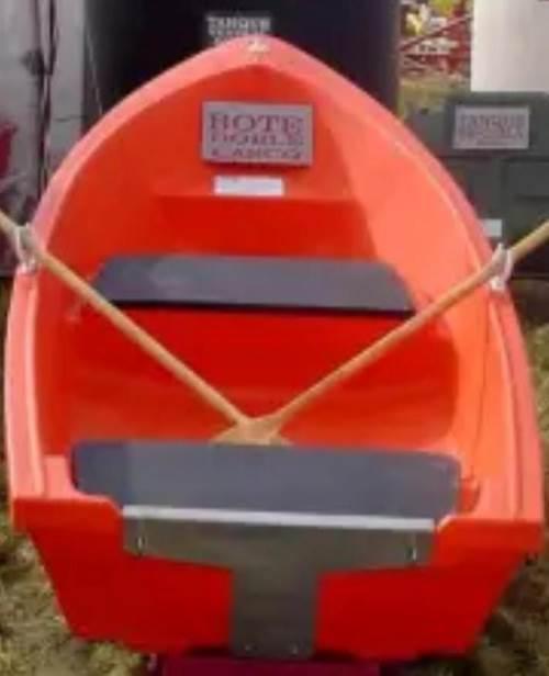 Bomberos Voluntarios de Armstrong, adquirieron un bote plástico de rotomoldeo.