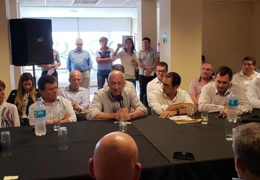 Bonfatti se reunió con referentes políticos y representantes de entidades empresariales en el C.C.I.R de Armstrong.