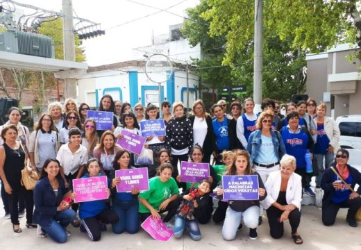 Cañada de Gómez. Jornada en la Plaza Fany Giordano por el Día de la Mujer.