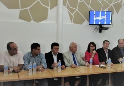 Los Candidatos del departamento que integran el Frente se reunieron en Las Parejas.