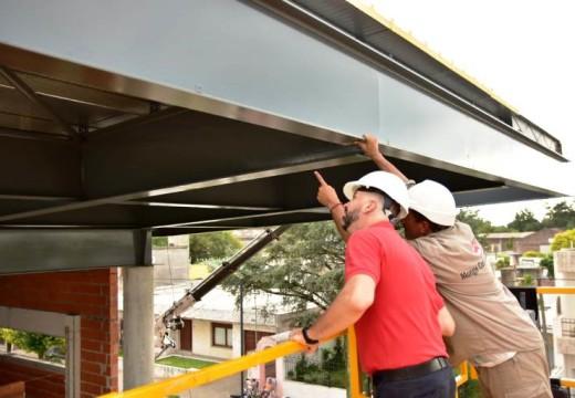 Cañada de Gómez. Se completa el techado de la nueva terminal.