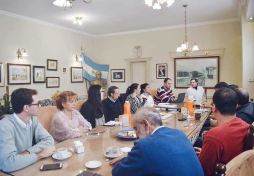 Reunión de Gabinete para evaluar el presente y proyectar el futuro.