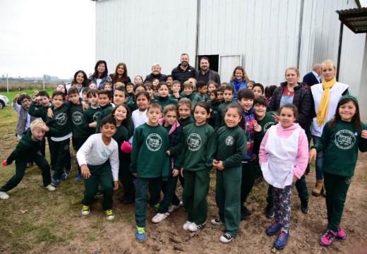 Escuelas cañadenses continúan visitando la planta de tratamiento de residuos.