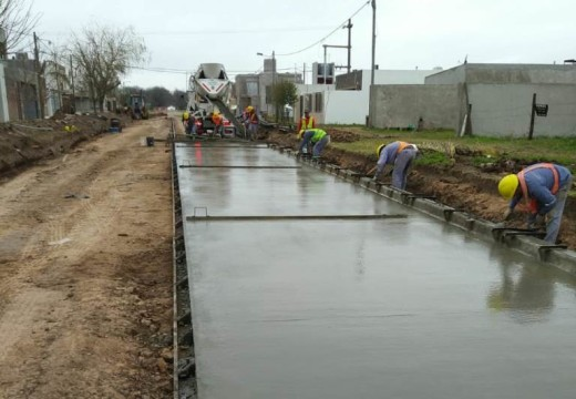 Cañada de Gómez. Municipio avanza con nuevo frente de pavimento en zona norte.