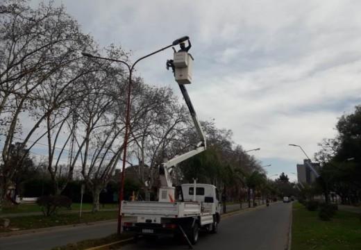 Cañada de Gomez. Municipio continua con trabajos de reposición de luminarias.
