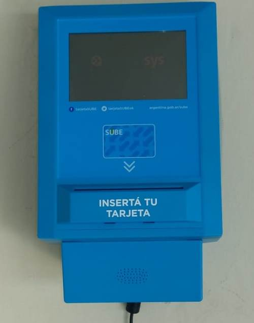 Armstrong cuenta con máquina lectora para tarjetas SUBE.