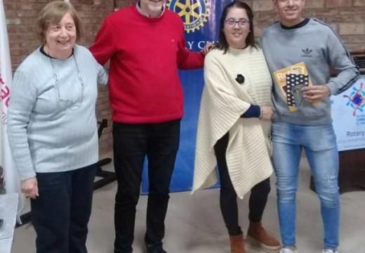 Rotary Club homenajeo a los maratonistas mejor posicionados.