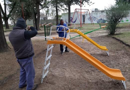 Cañada de Gómez. Continúan trabajos de mantenimiento de espacios verdes