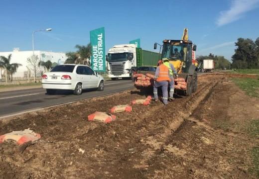 Cañada de Gomez. Se realizan nuevos trabajos frente al parque industrial 2.