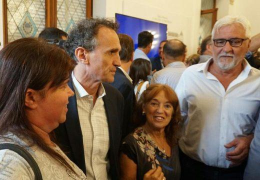 Cañada de Gomez. Autoridades municipales presentes en la firma del convenio por obras.