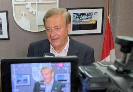 """Fischer: """"En la ciudad la democracia empieza a actuar plenamente""""."""