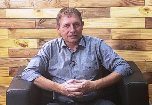 Deliberando: Intendente Municipal Horacio Compagnucci de Las Parejas.