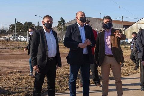 Las Parejas. El Intendente  Horacio Compagnucci junto al Gobernador Omar Perotti, recorrieron la estación transformadora.