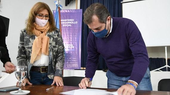 La provincia entregó aportes a entidades deportivas de los departamentos Rosario y La Capital