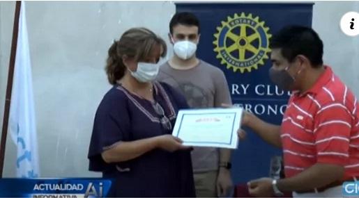 Rotary Club Armstrong hizo un reconocimiento a personal de salud.