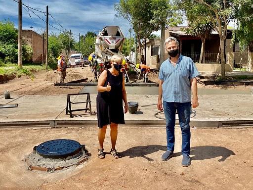 Cañada de Gómez. Avanza pavimento en vecinal usina.