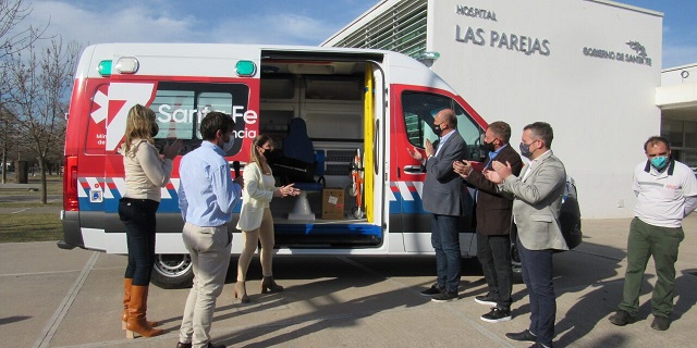 Las Parejas. Anunciaron que el SAMCo es recategorizado a Hospital y el Gobernador Perotti entregó una Ambulancia.